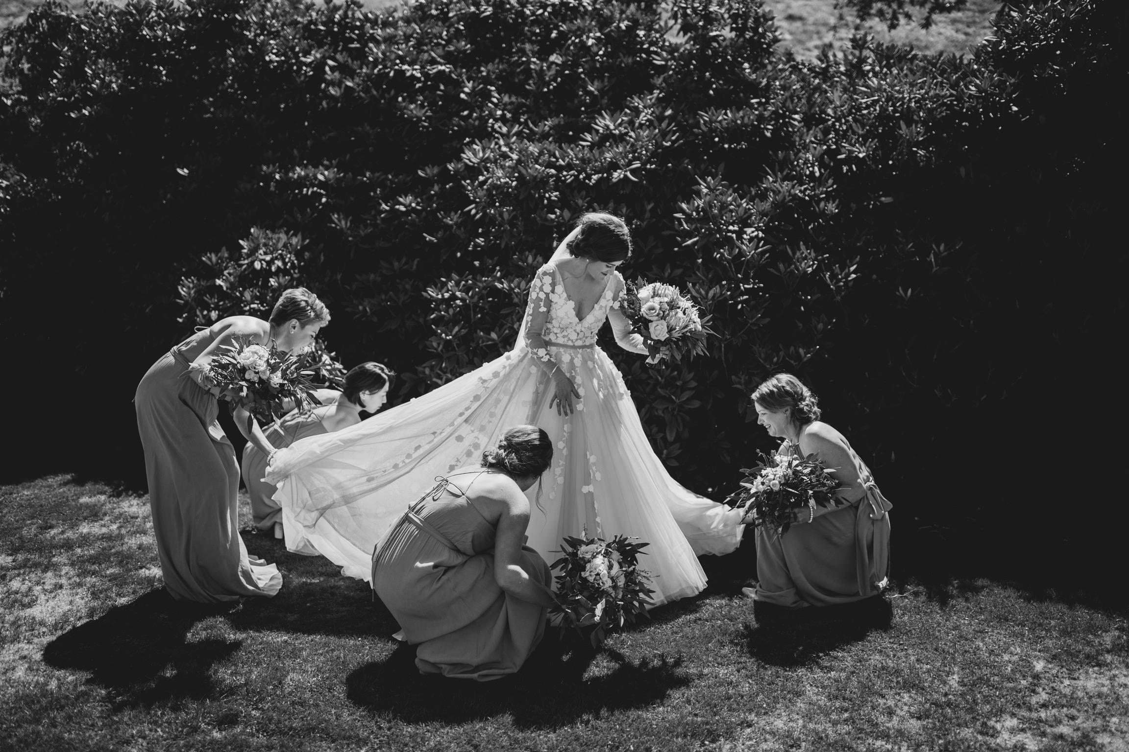 05 Tamsin Henshaw Wedding Dress Testimonial   W Bridesmaids