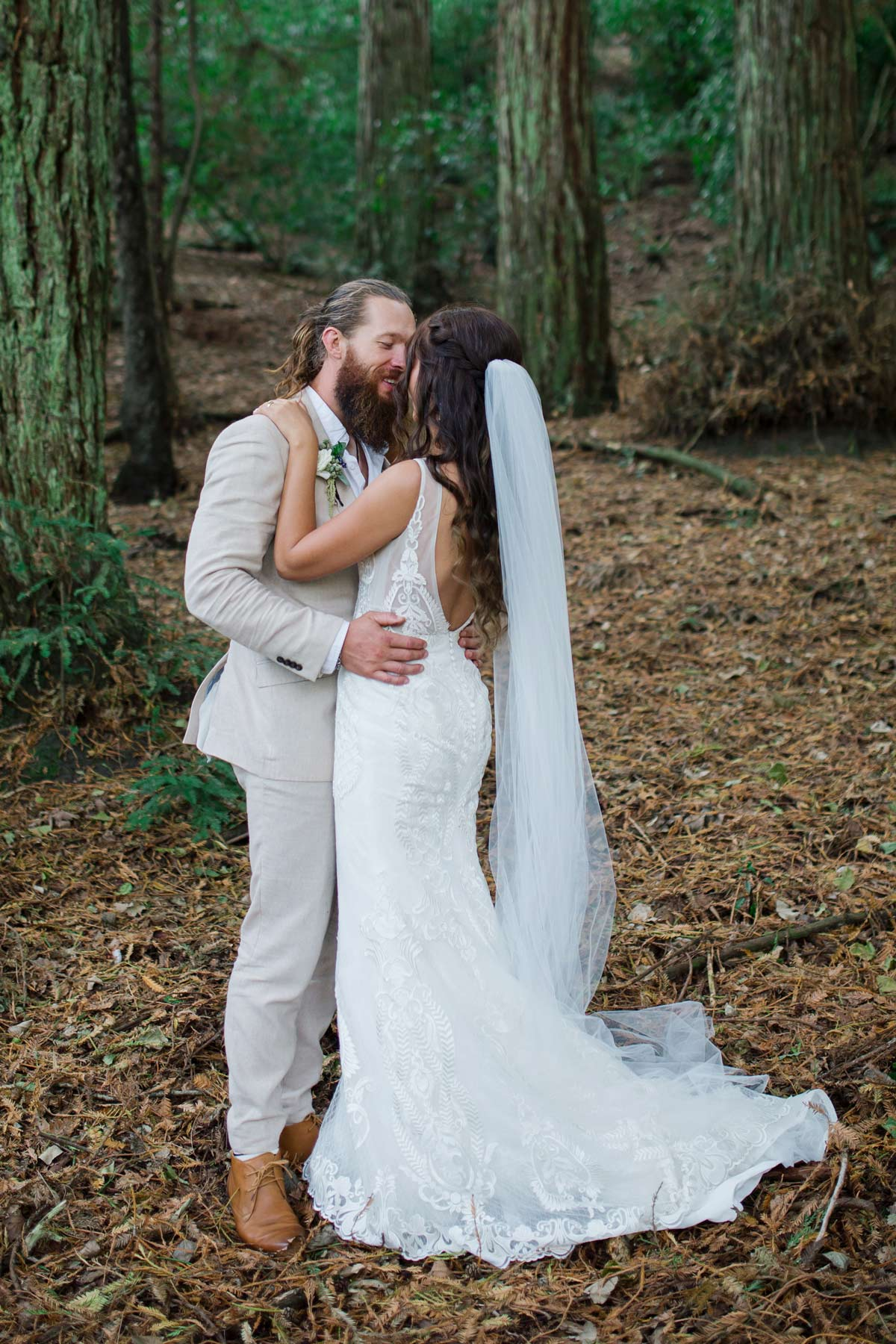 Amanda+Zane Benedetti Wedding Dress Veil Kiss Forest Cropped 0702