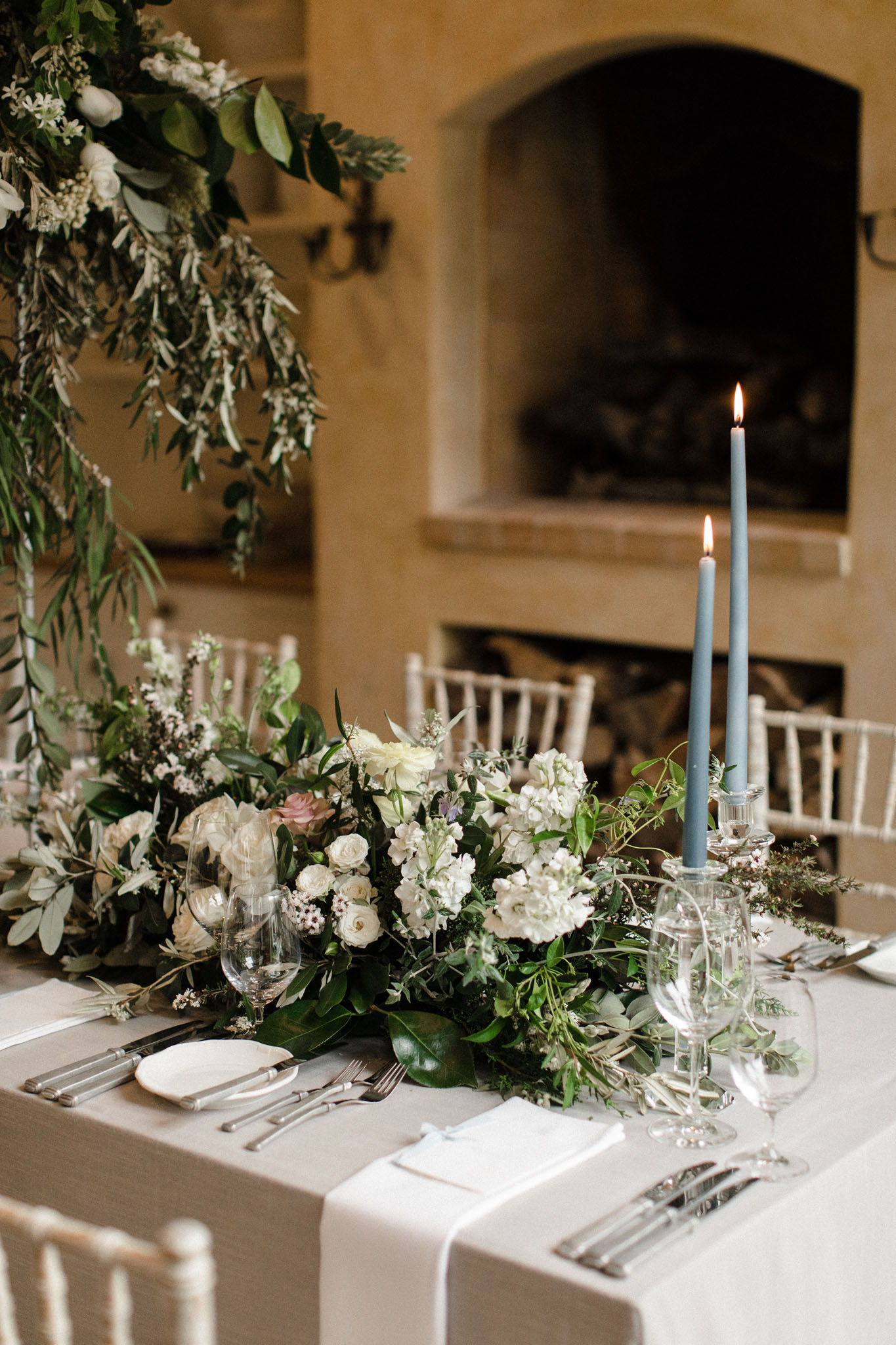 Melissa+Sean Capekidnappers Table Inspiration Candles Flowers 0203