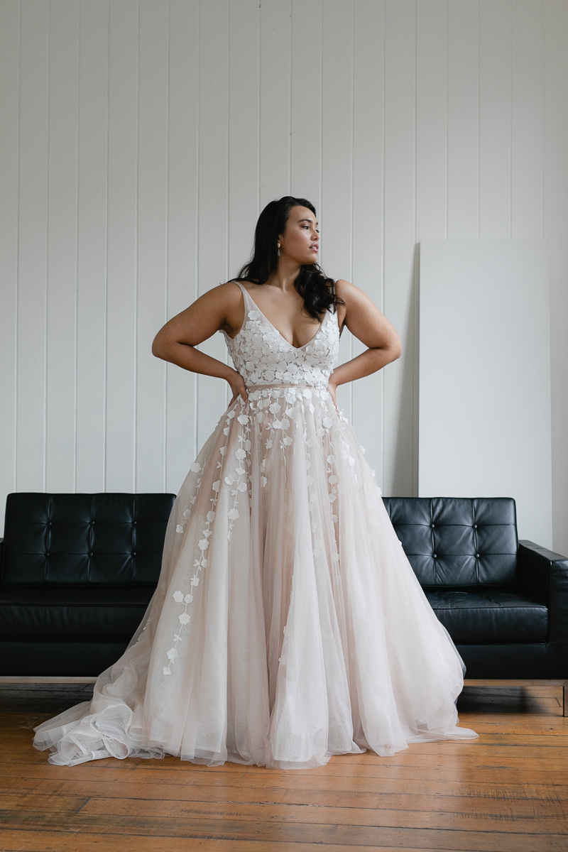 20190910 Hera Corp Studio Curve 1003Lavant Blush Wedding Dress