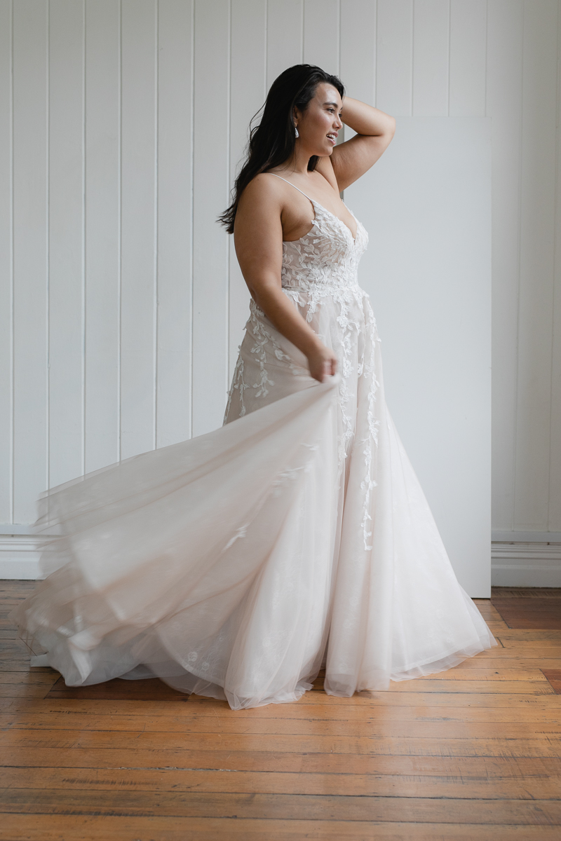 20190910 Hera Corp Studio Curve 1856Topaz Blush Wedding Dress