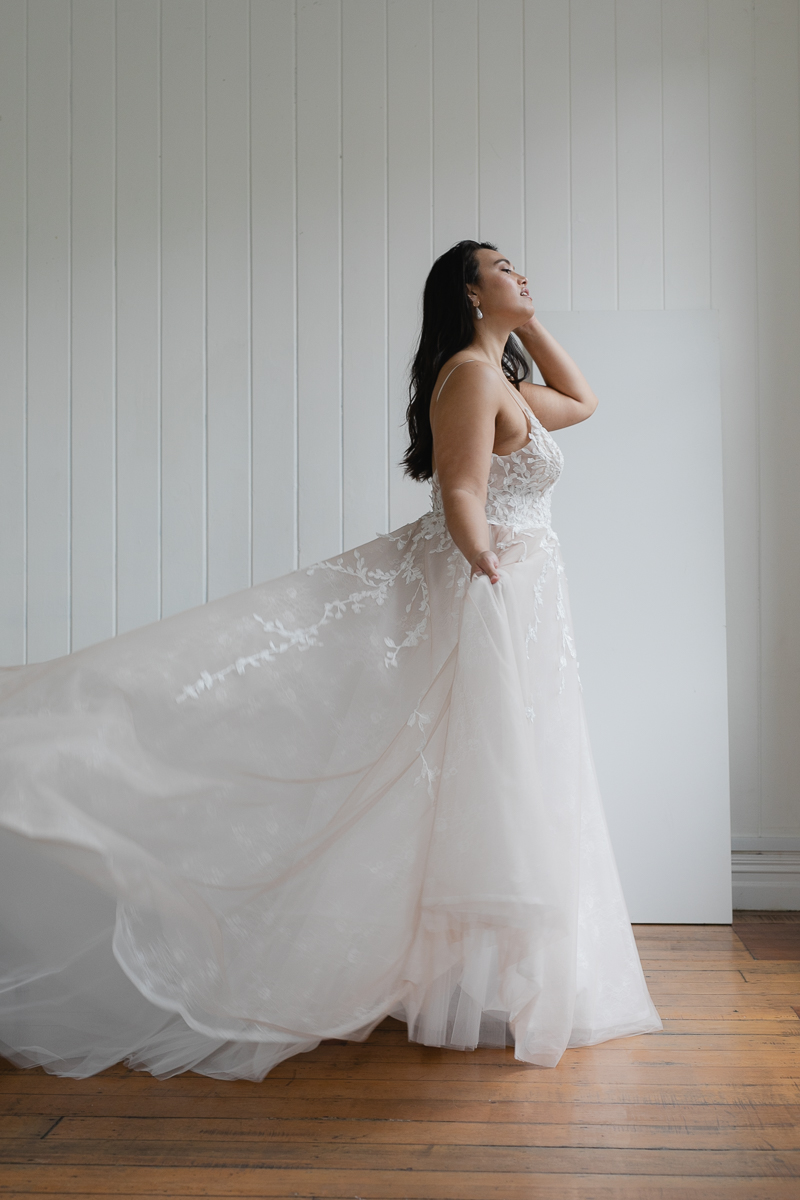 20190910 Hera Corp Studio Curve 1866Topaz Blush Wedding Dress