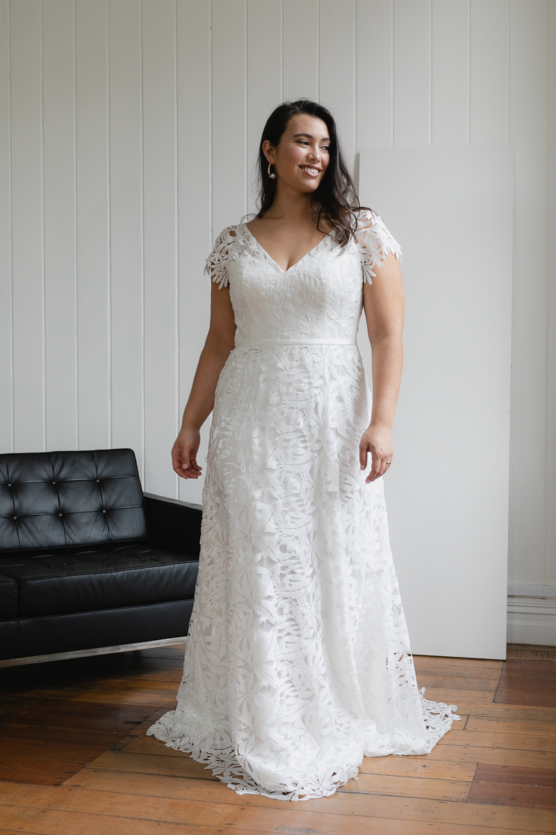 20190910 Hera Corp Studio Curve 1970De Fossa Flare Wedding Dress