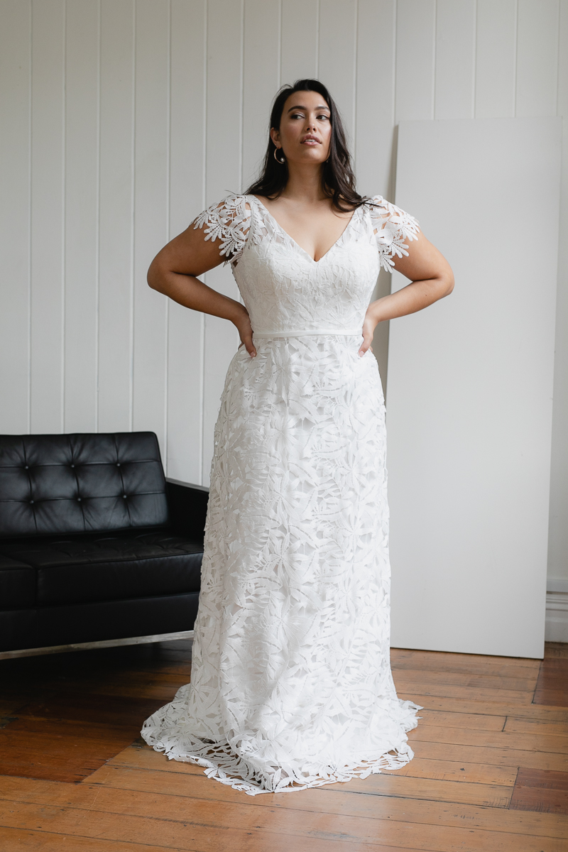 20190910 Hera Corp Studio Curve 1989De Fossa Flare Wedding Dress