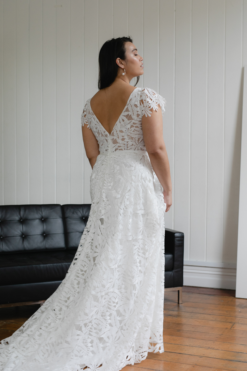 20190910 Hera Corp Studio Curve 2154De Fossa Flare Wedding Dress