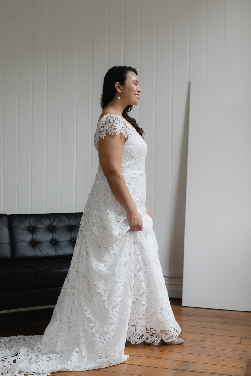 20190910 Hera Corp Studio Curve 2172De Fossa Flare Wedding Dress