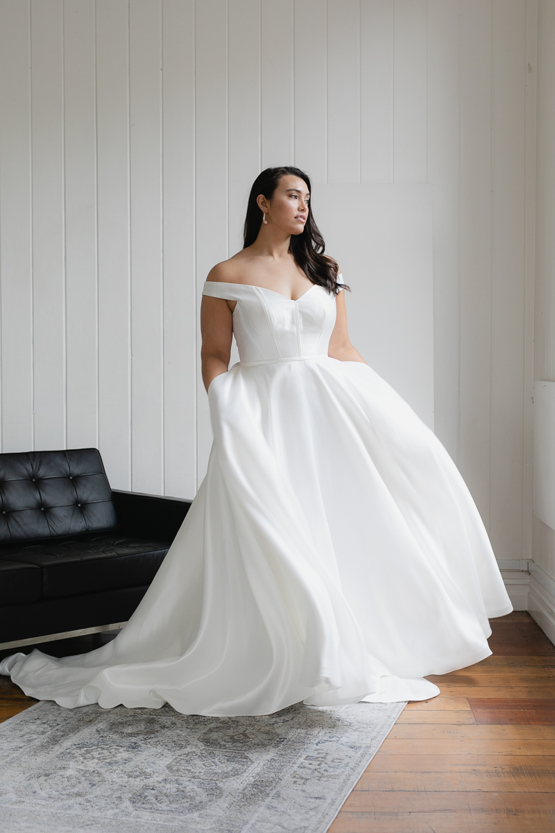 20190910 Hera Corp Studio Curve 2187Von Maria Wedding Dress