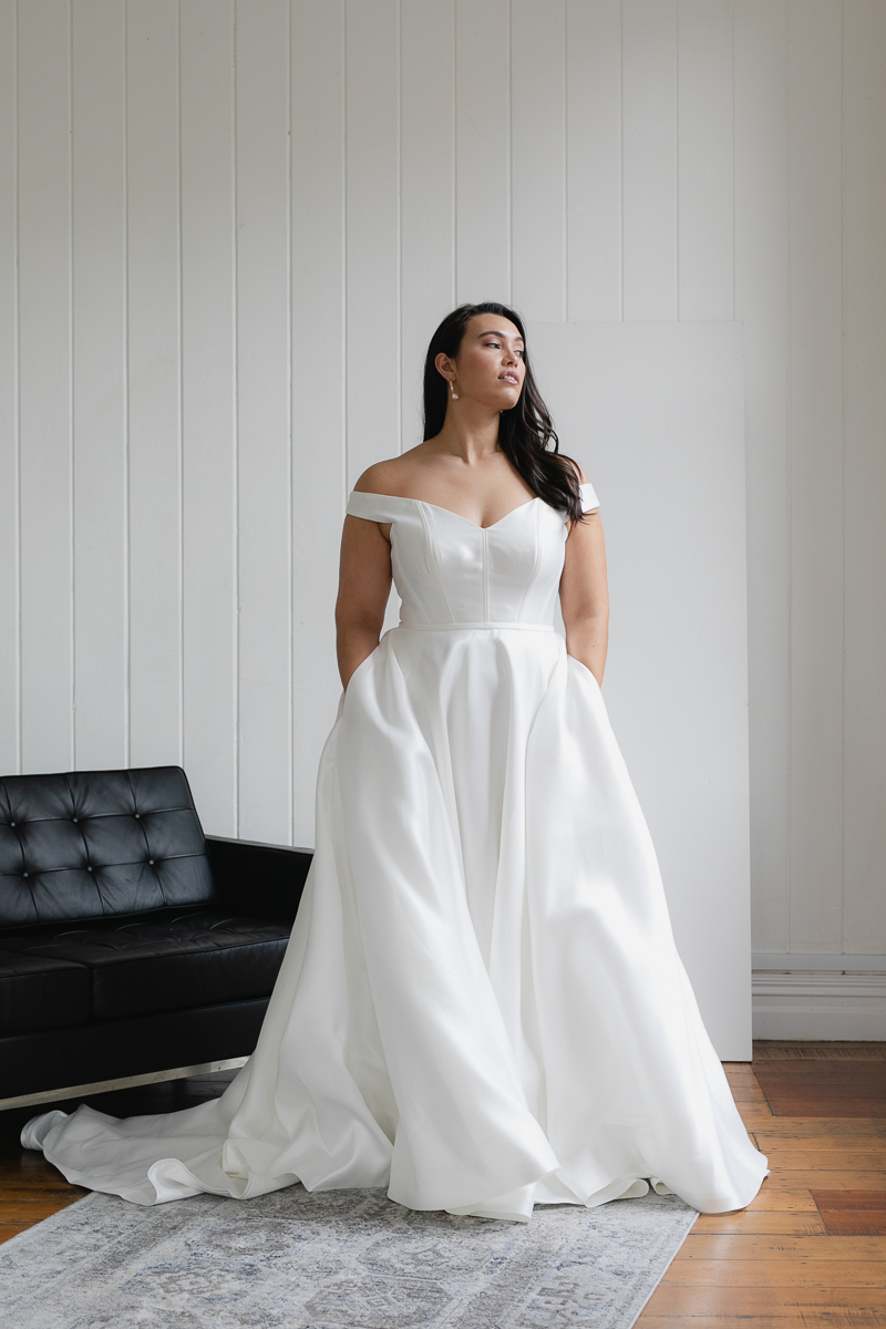 20190910 Hera Corp Studio Curve 2190Von Maria Wedding Dress