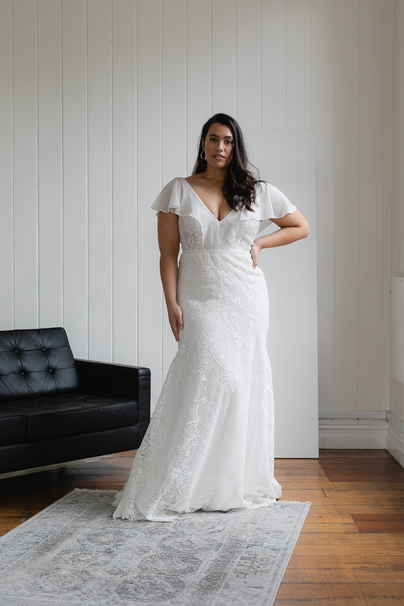 20190910 Hera Corp Studio Curve 2404Caldini Wedding Dress
