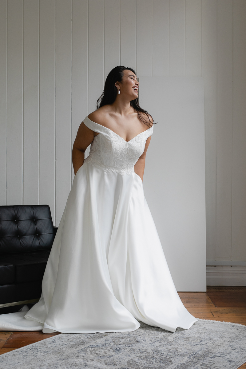 20190910 Hera Corp Studio Curve 2844Moscheles Wedding Dress