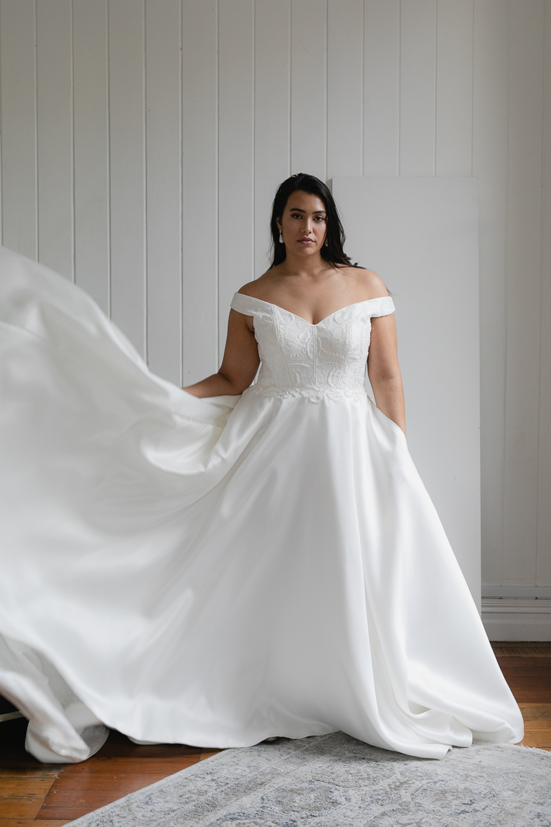 20190910 Hera Corp Studio Curve 2860Moscheles Wedding Dress