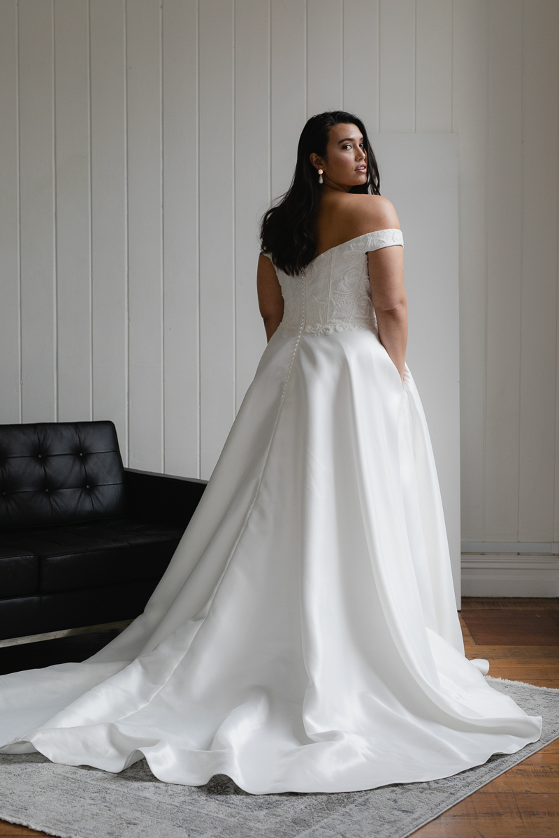 20190910 Hera Corp Studio Curve 2960Moscheles Wedding Dress
