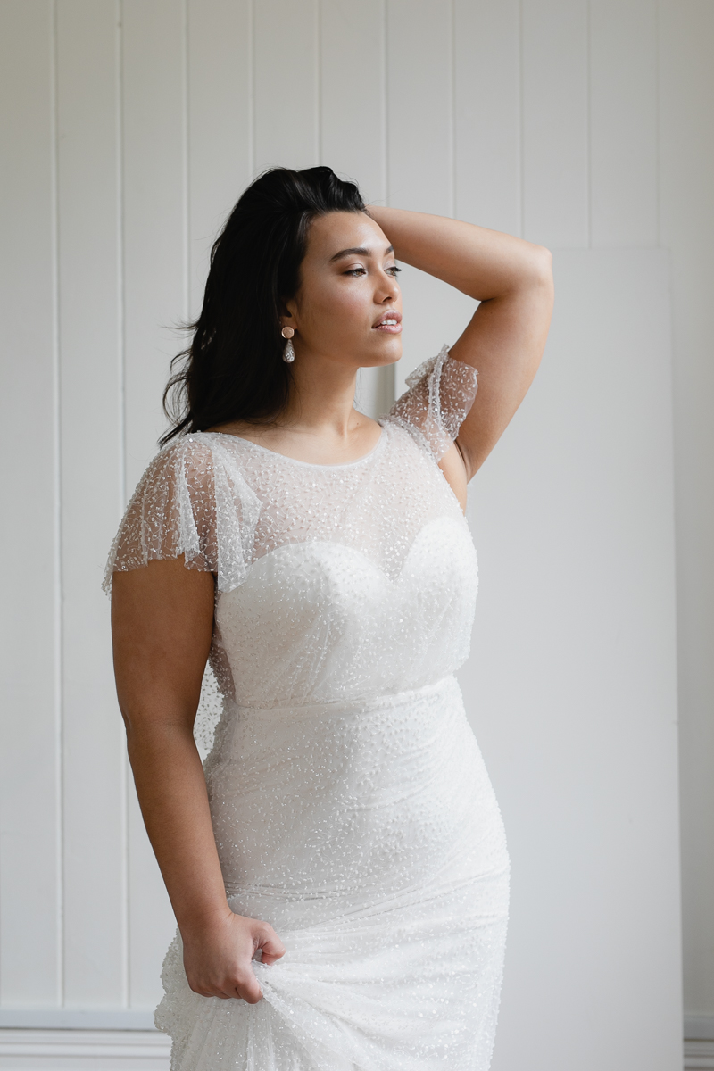 20190910 Hera Corp Studio Curve 353Caccini Beaded Wedding Dress