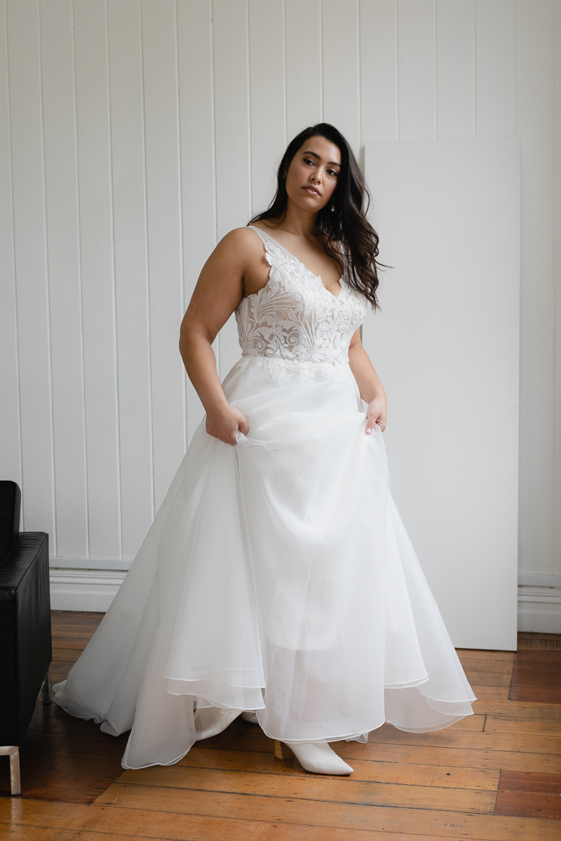 20190910 Hera Corp Studio Curve 411Blanchette Wedding Dress