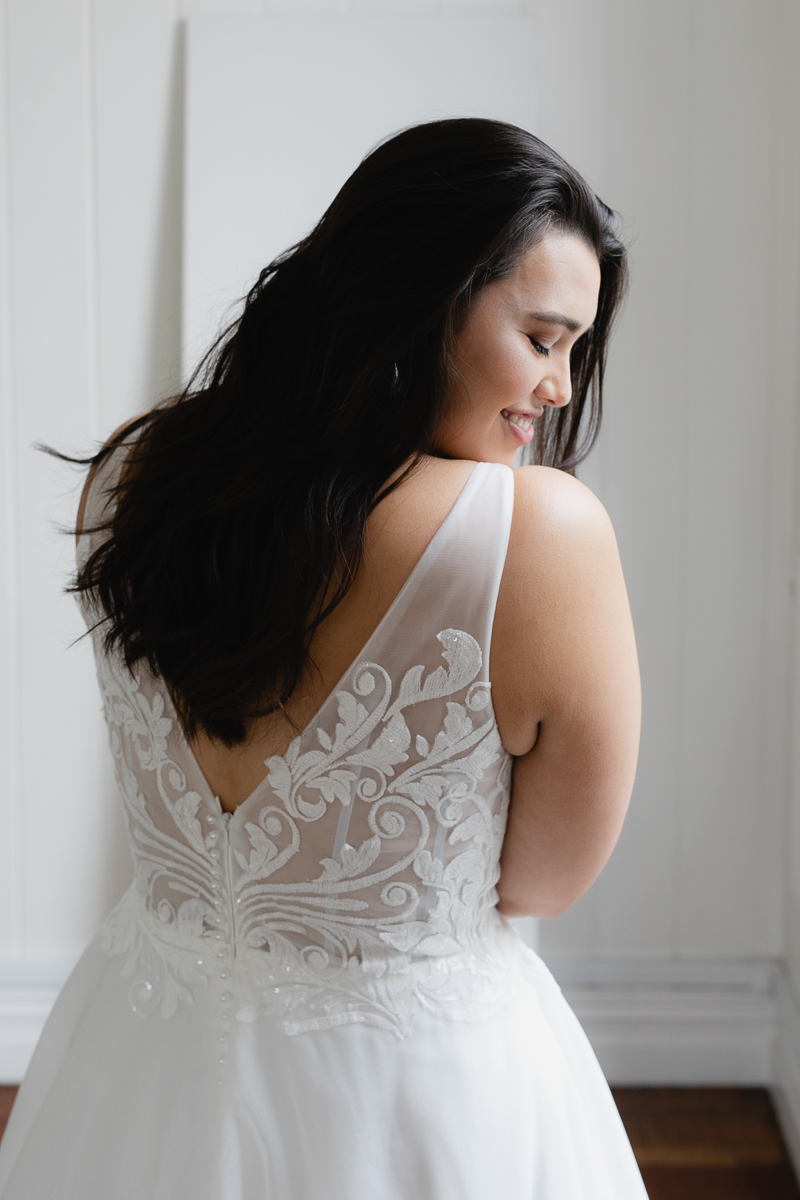 20190910 Hera Corp Studio Curve 470Blanchette Wedding Dress