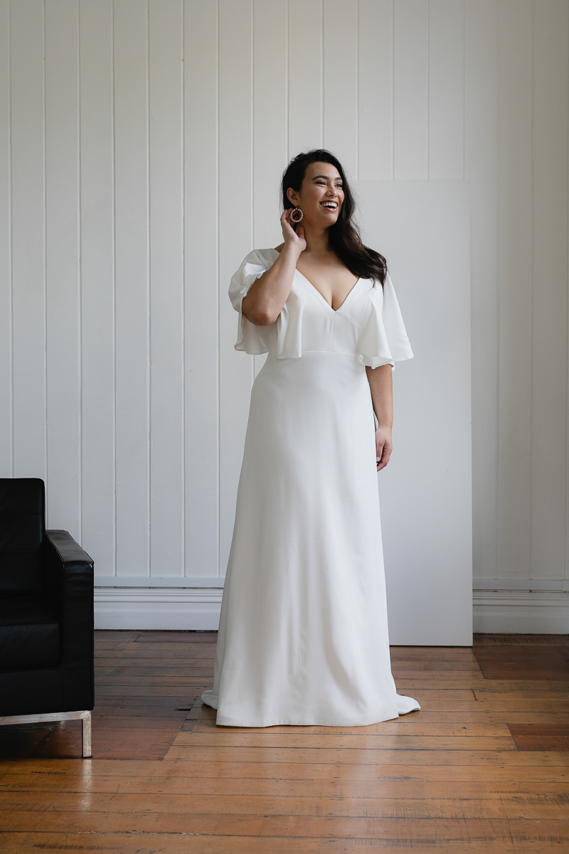 20190910 Hera Corp Studio Curve 700Garcia Wedding Dress