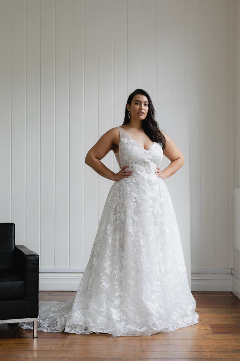 20190910 Hera Corp Studio Curve 857Casado Wedding Dress