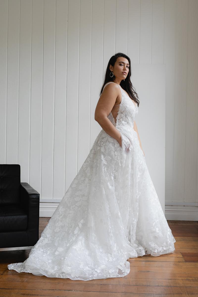 20190910 Hera Corp Studio Curve 862Casado Wedding Dress