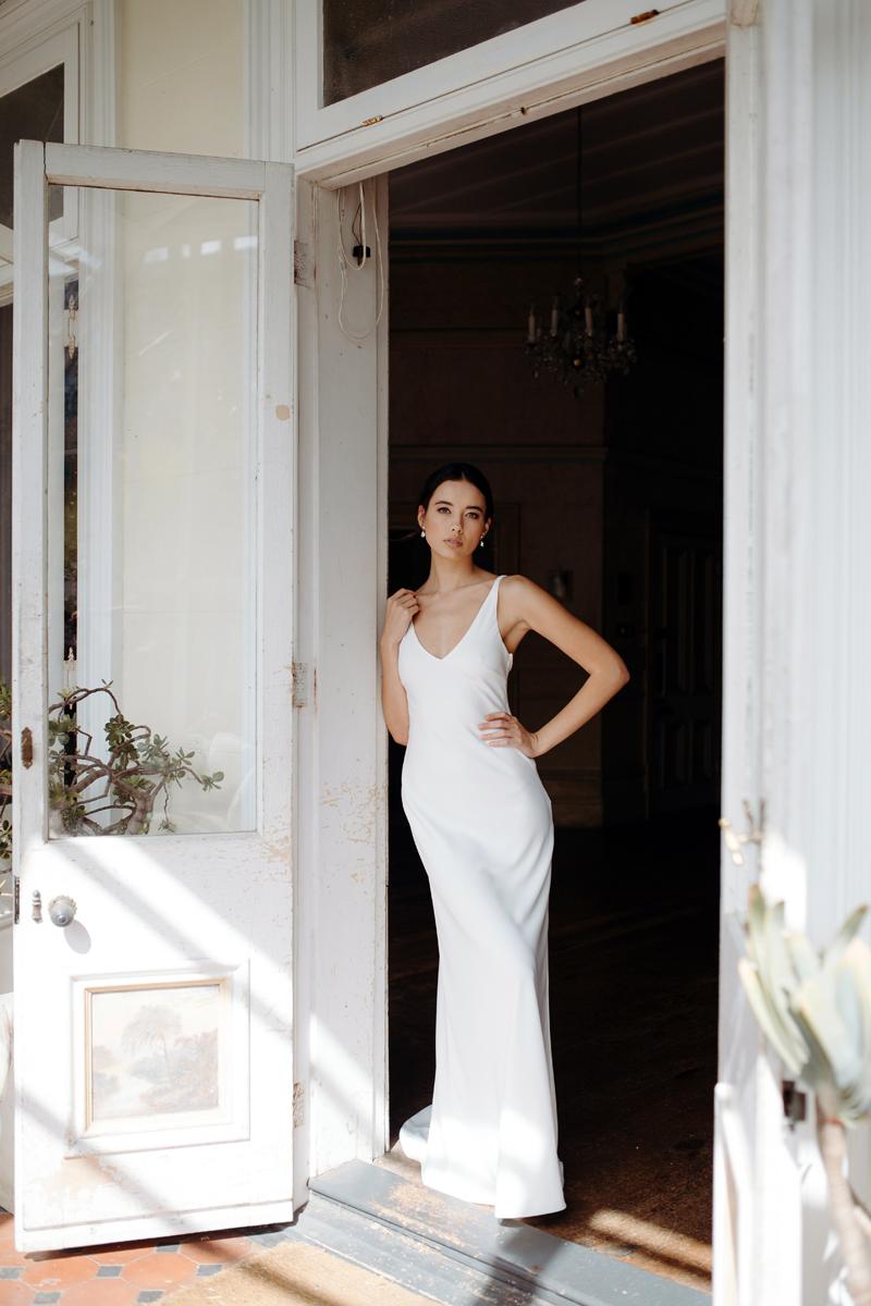 Hera Clari Wedding Dress Manor_Portrait A65A4444