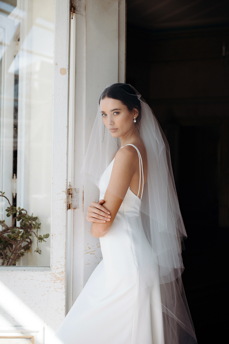 Hera Clari Wedding Dress Manor_Portrait A65A4555