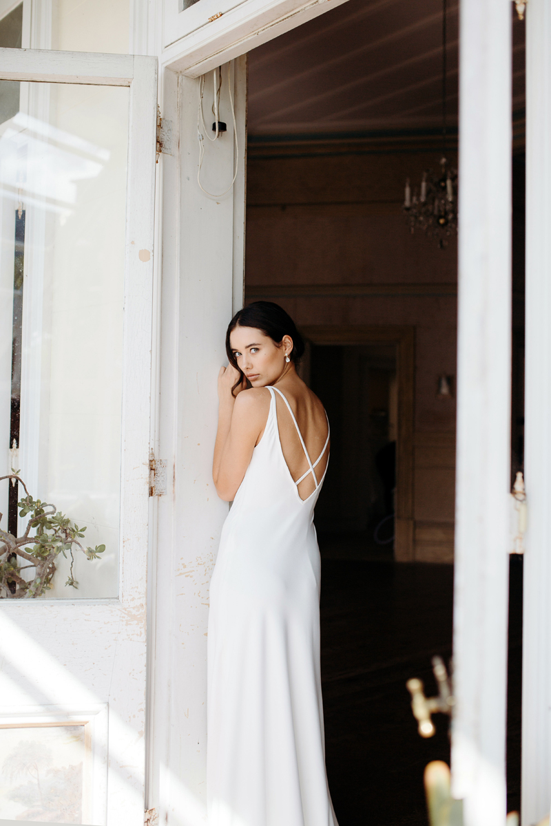 Hera Corelli Wedding Dress Manor_Portrait A65A4728