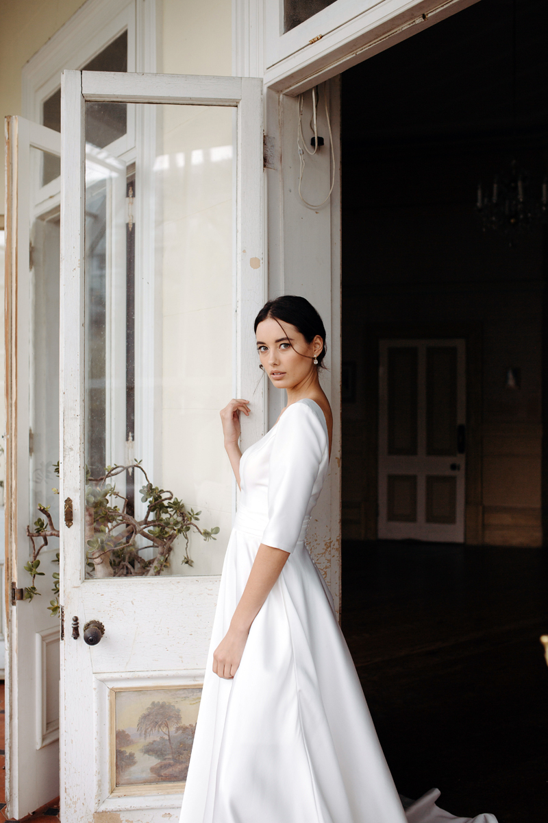 Hera Gracie Wedding Dress Manor_Portrait A65A3633