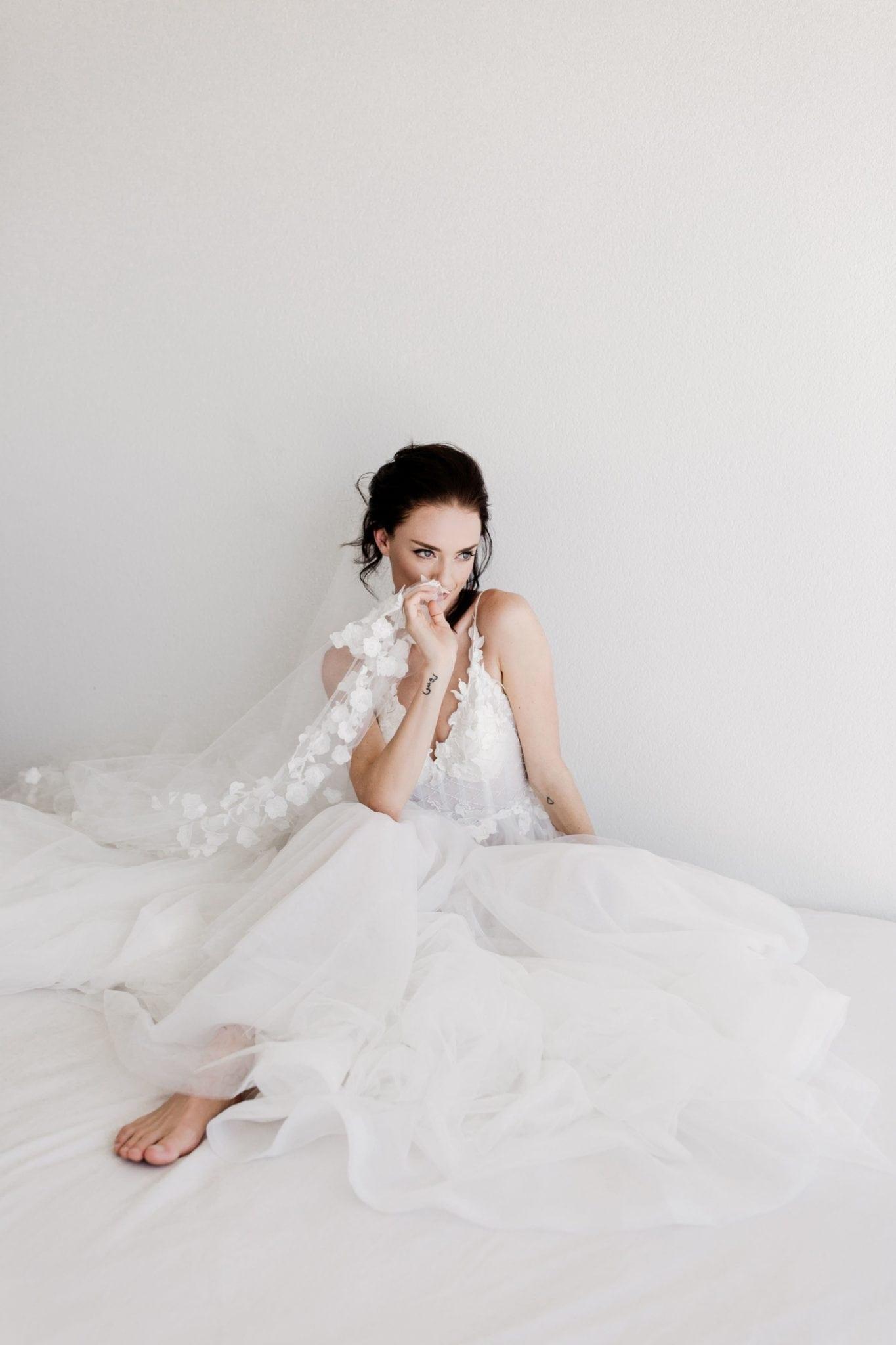 Hera_Somervell_Hand_Veil_Bed