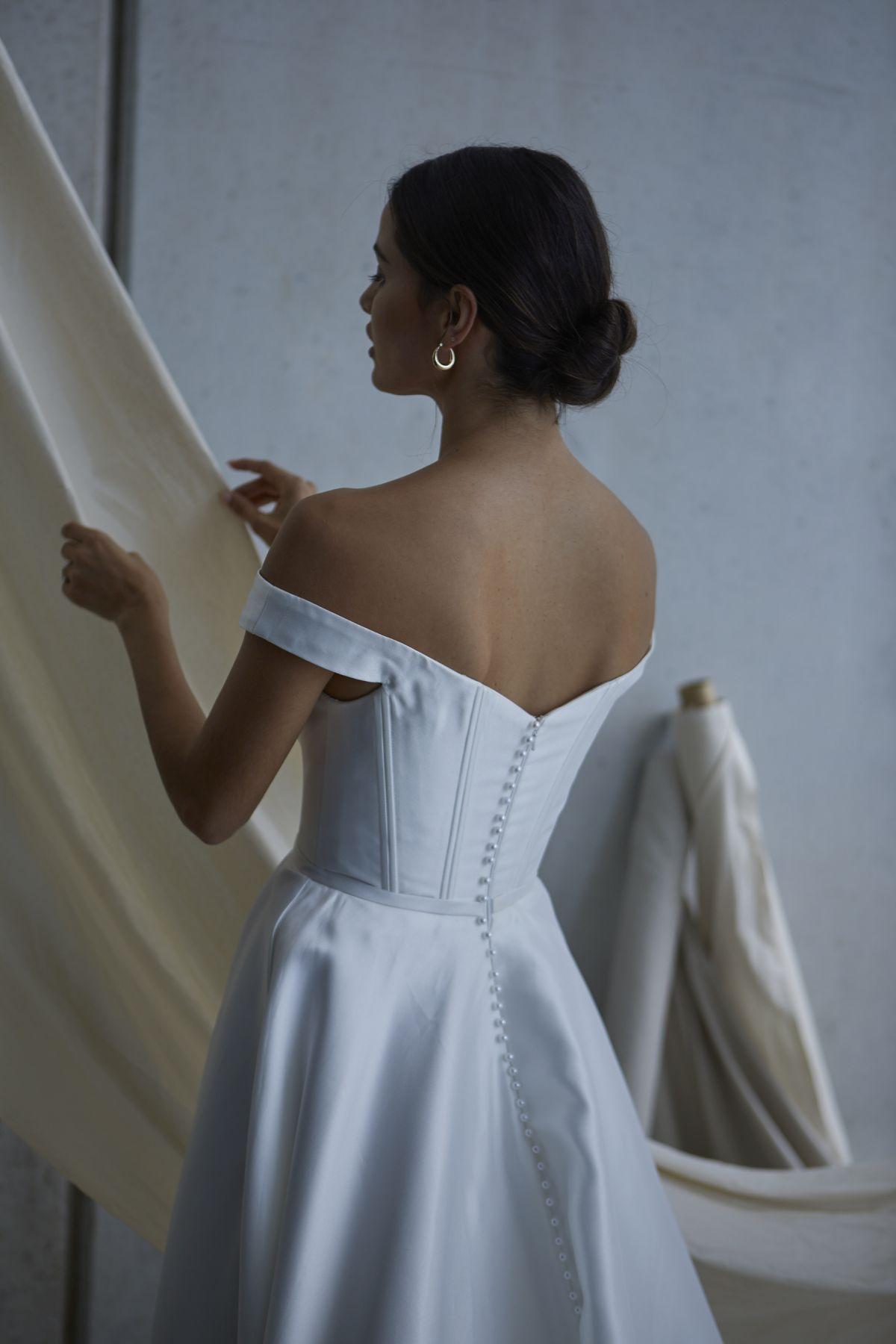 Von Maria Wedding Gown 12_1877 1800Px