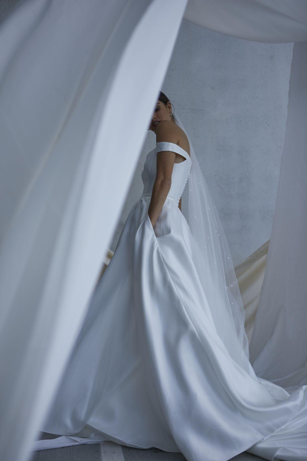 Von Maria Wedding Gown 12_1902 1800Px