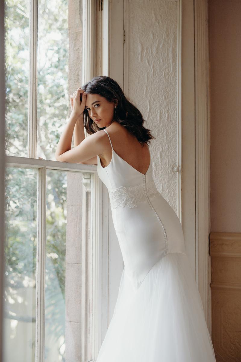 Era Cecil Wedding Dress Manor_Portrait A65A4972