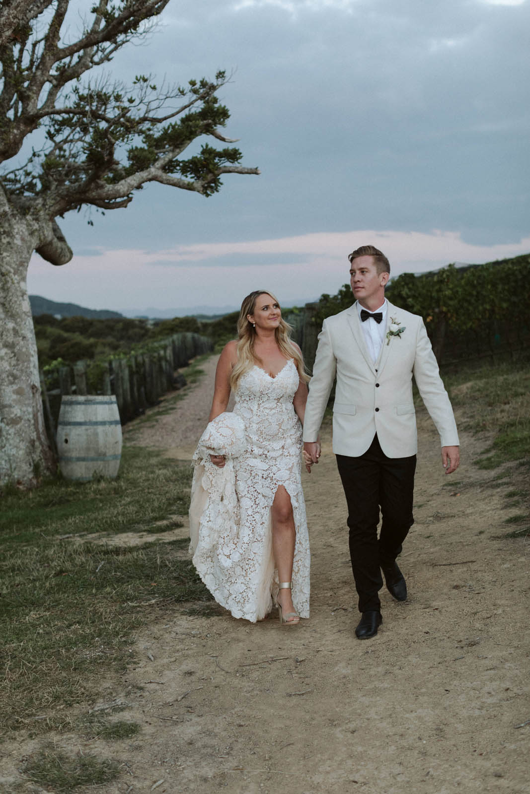 Rachel And Richard Nz Weddings Della Pieta Hera Couture_0036