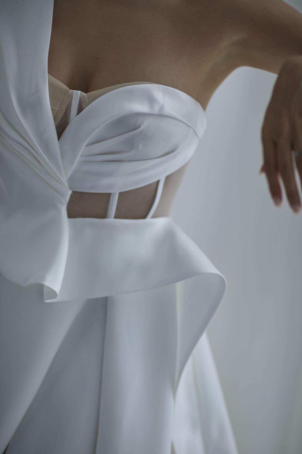 Leonardi Wedding Gown 9_1531 1800Px