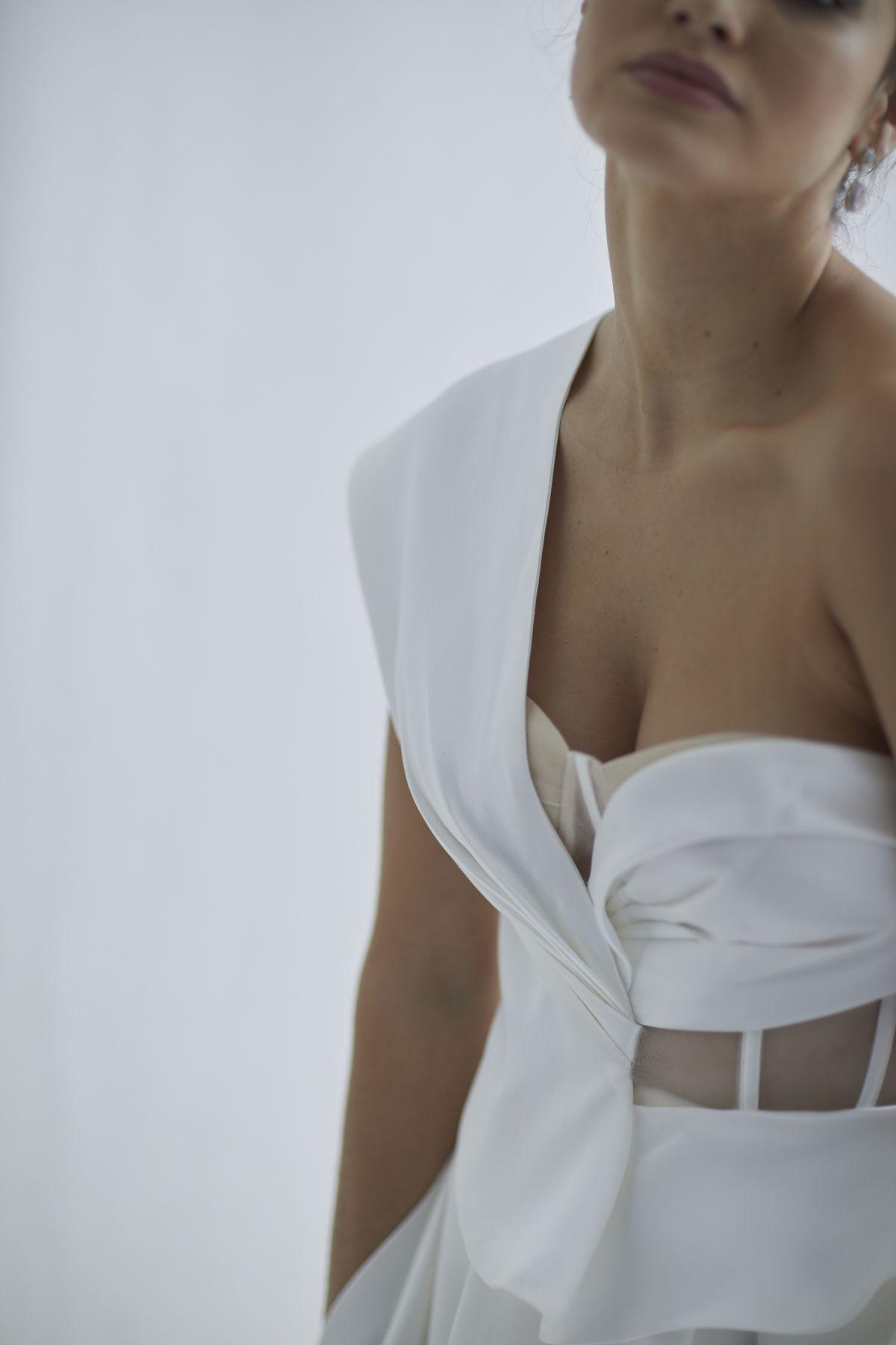 Leonardi Wedding Gown 9_1569 1800Px