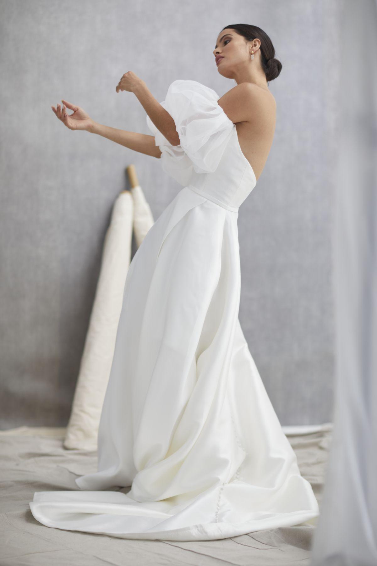 Scarlett V1 W Nuvole Organza Wedding Gown 15_1297