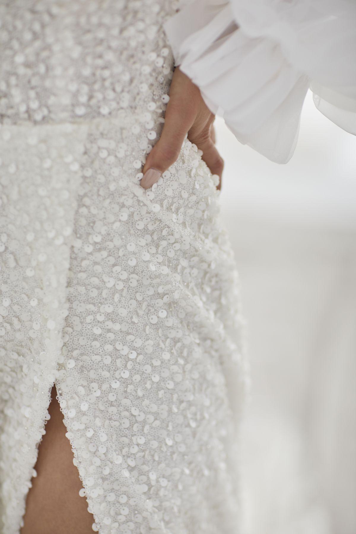 Brezza Sleeves Organza Wedding Gown 49_3398