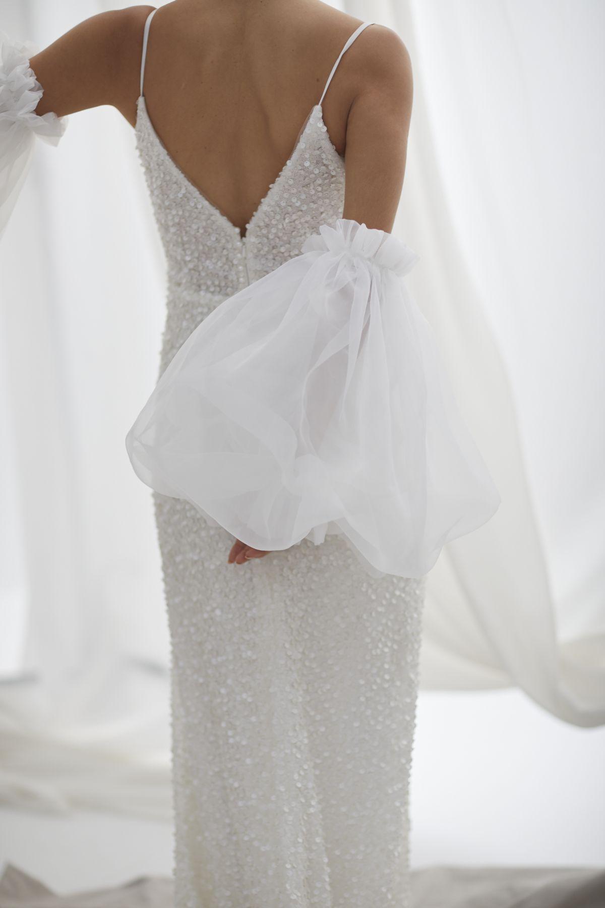 Brezza Sleeves Organza Wedding Gown 49_3418