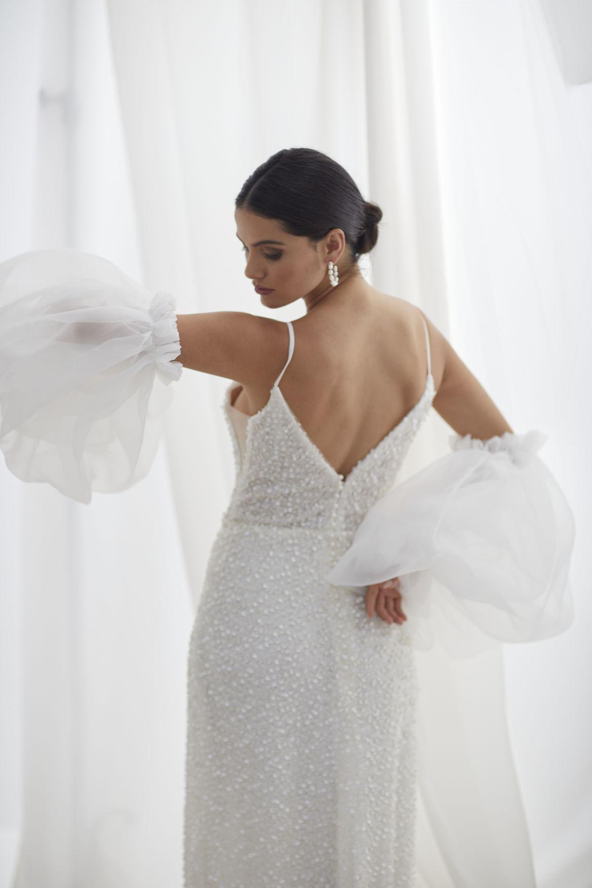 Brezza Sleeves Organza Wedding Gown 49_3420