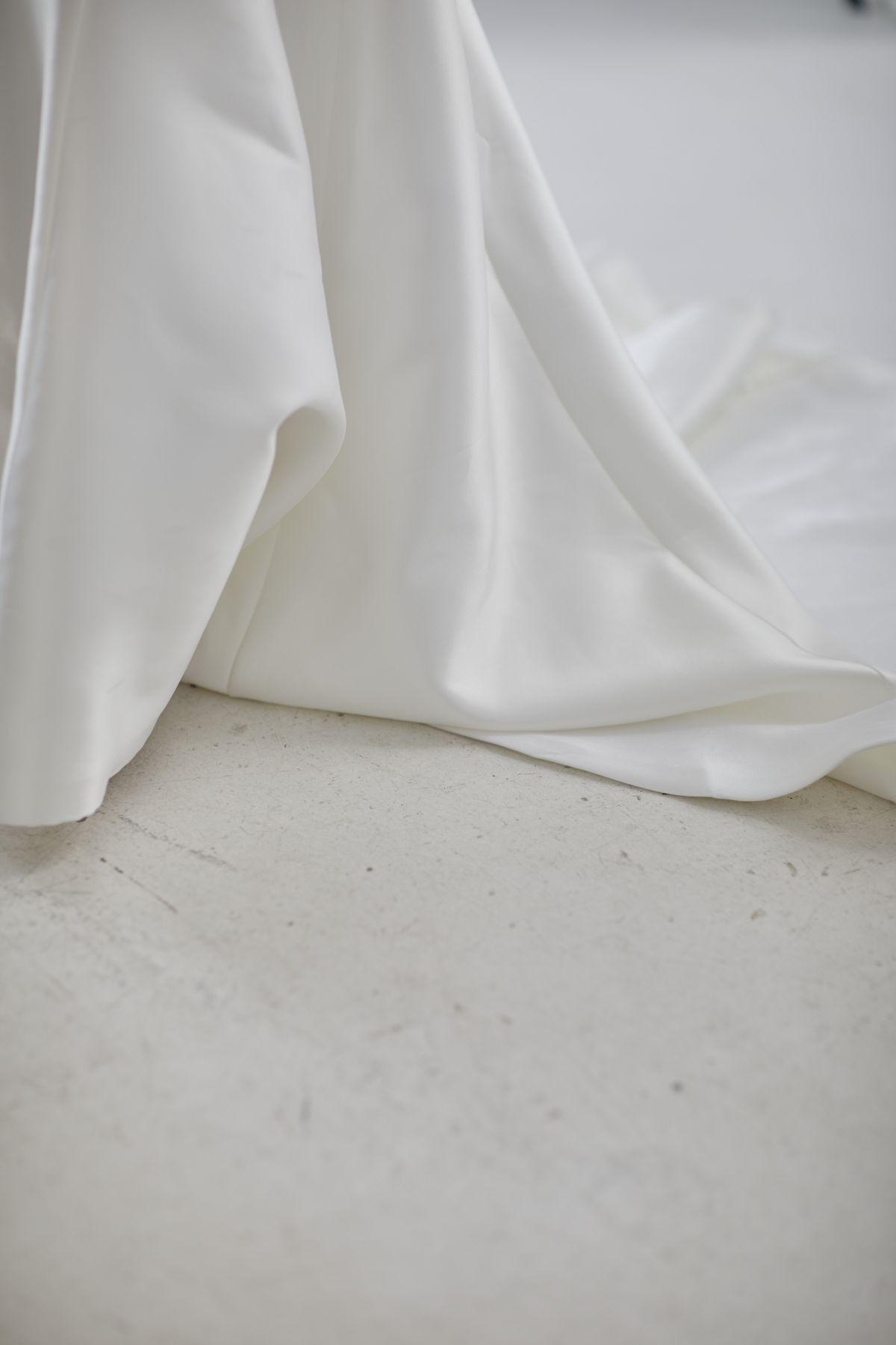 Le Jolie Wedding Gown 5_0358 1800Px