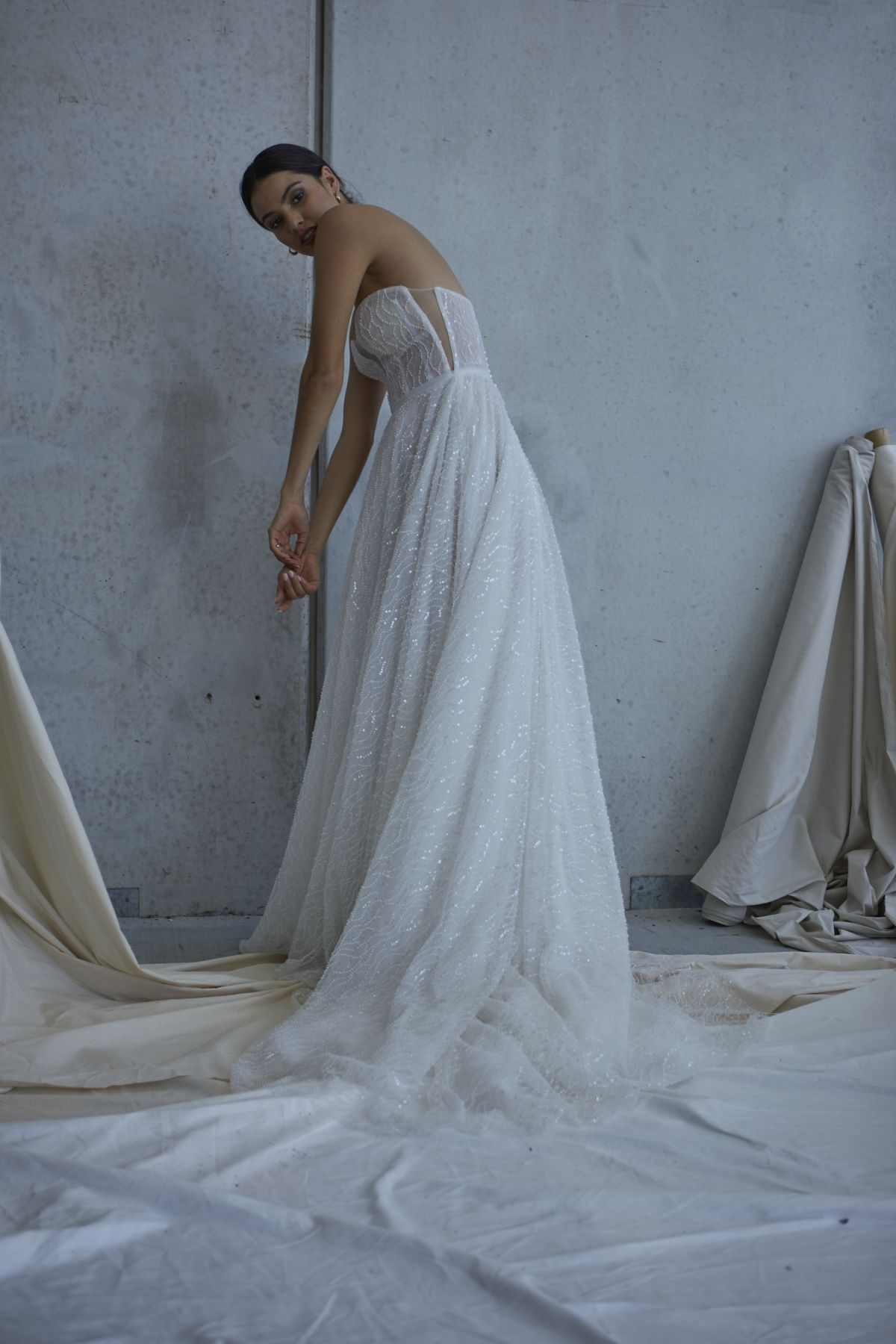 Lopez In Ivory Wedding Gown 16_2568 1800Px