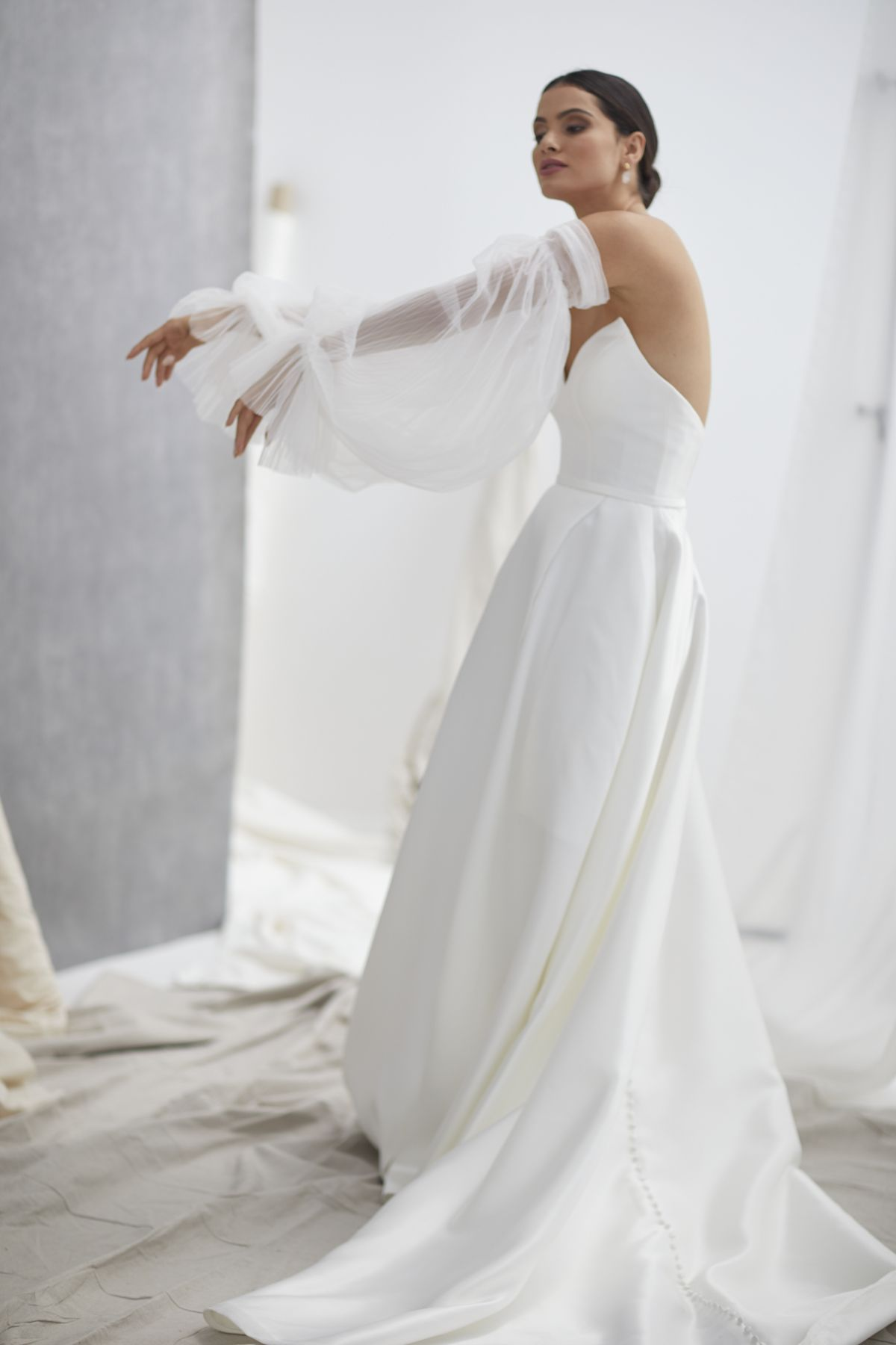 Neve Sleeves Pleated Tulle Wedding Gown 15_1272