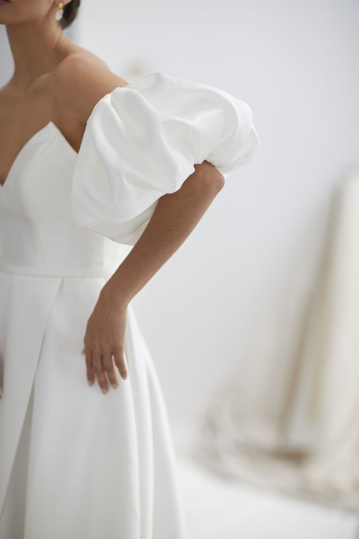 Nuvole Sleeves Mikaido Wedding Gown 14_1229