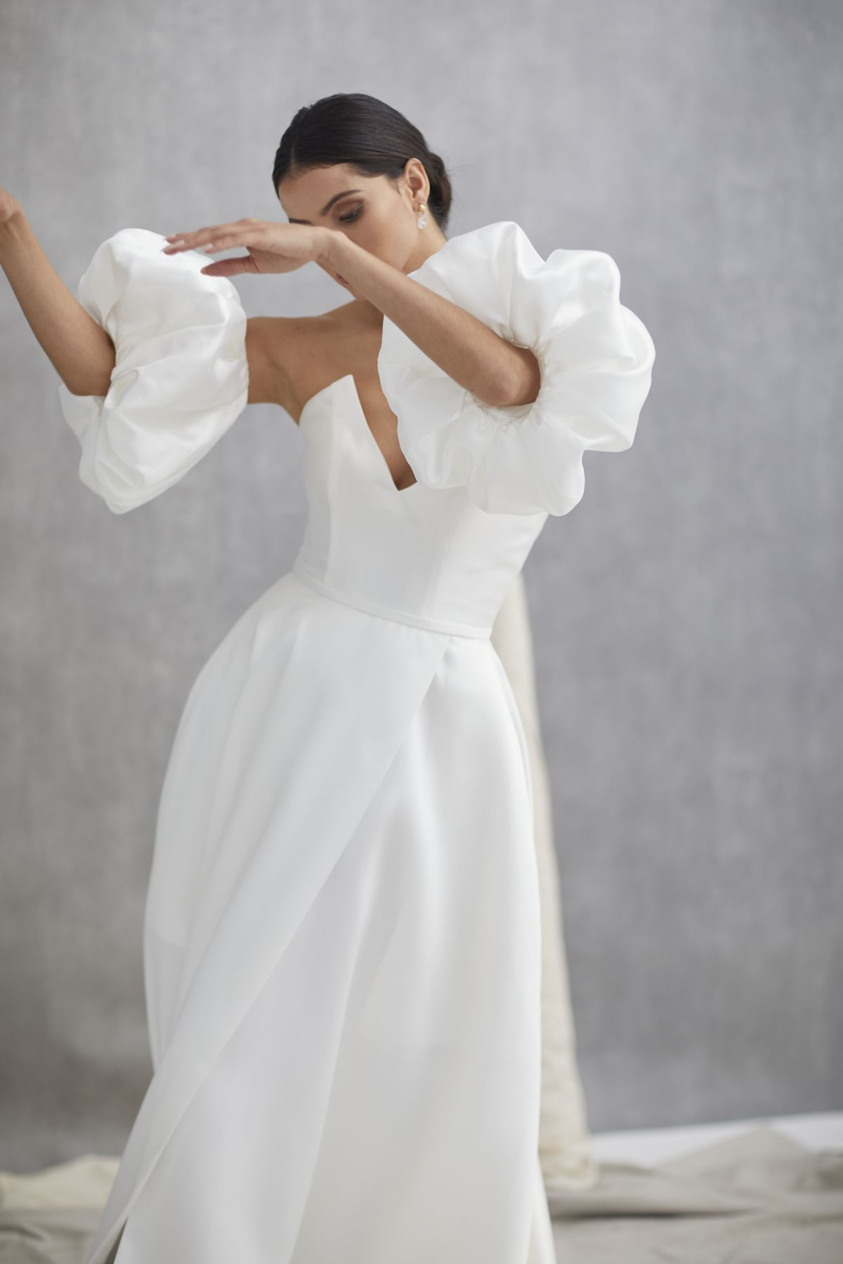 Nuvole Sleeves Mikaido Wedding Gown 14_1250
