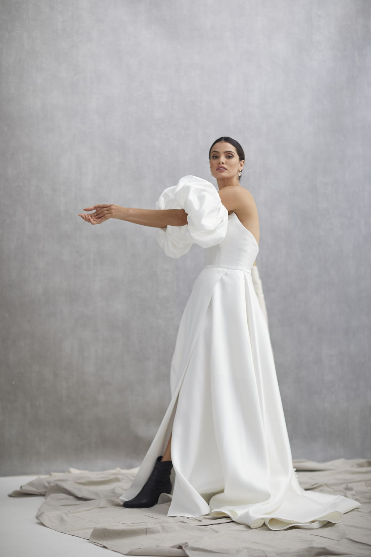 Nuvole Sleeves Mikaido Wedding Gown 14_1258