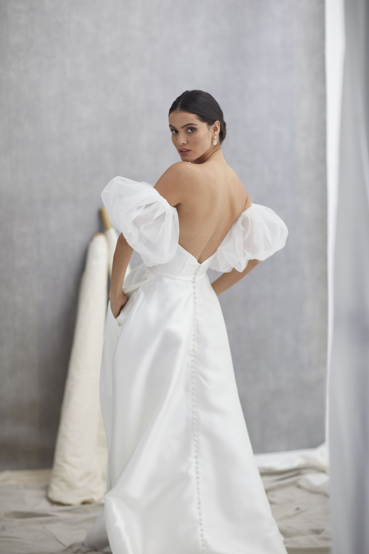 Nuvole Sleeves Mikaido Wedding Gown 15_1286