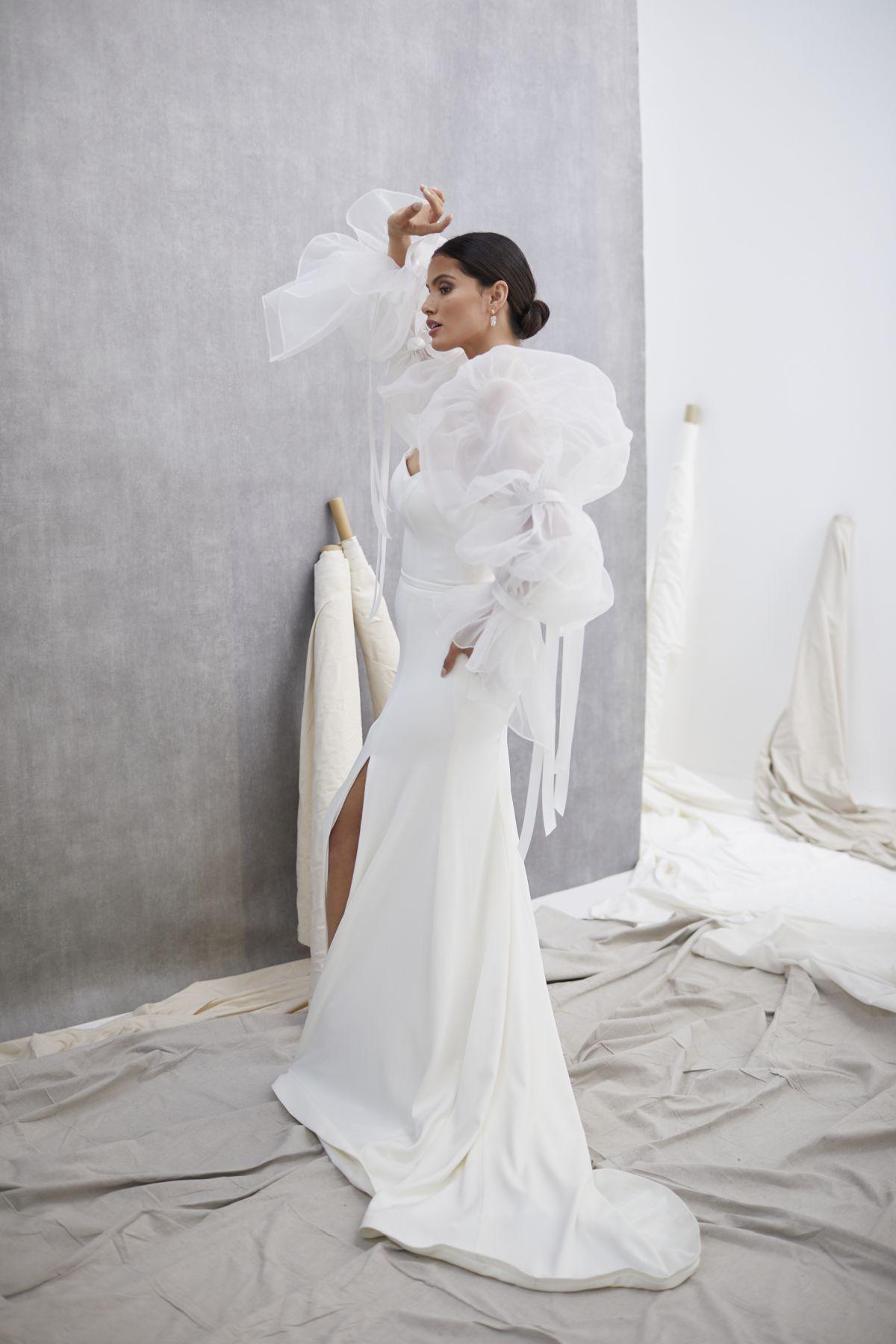 Onda Sleeves Organza Wedding Gown 18_1416