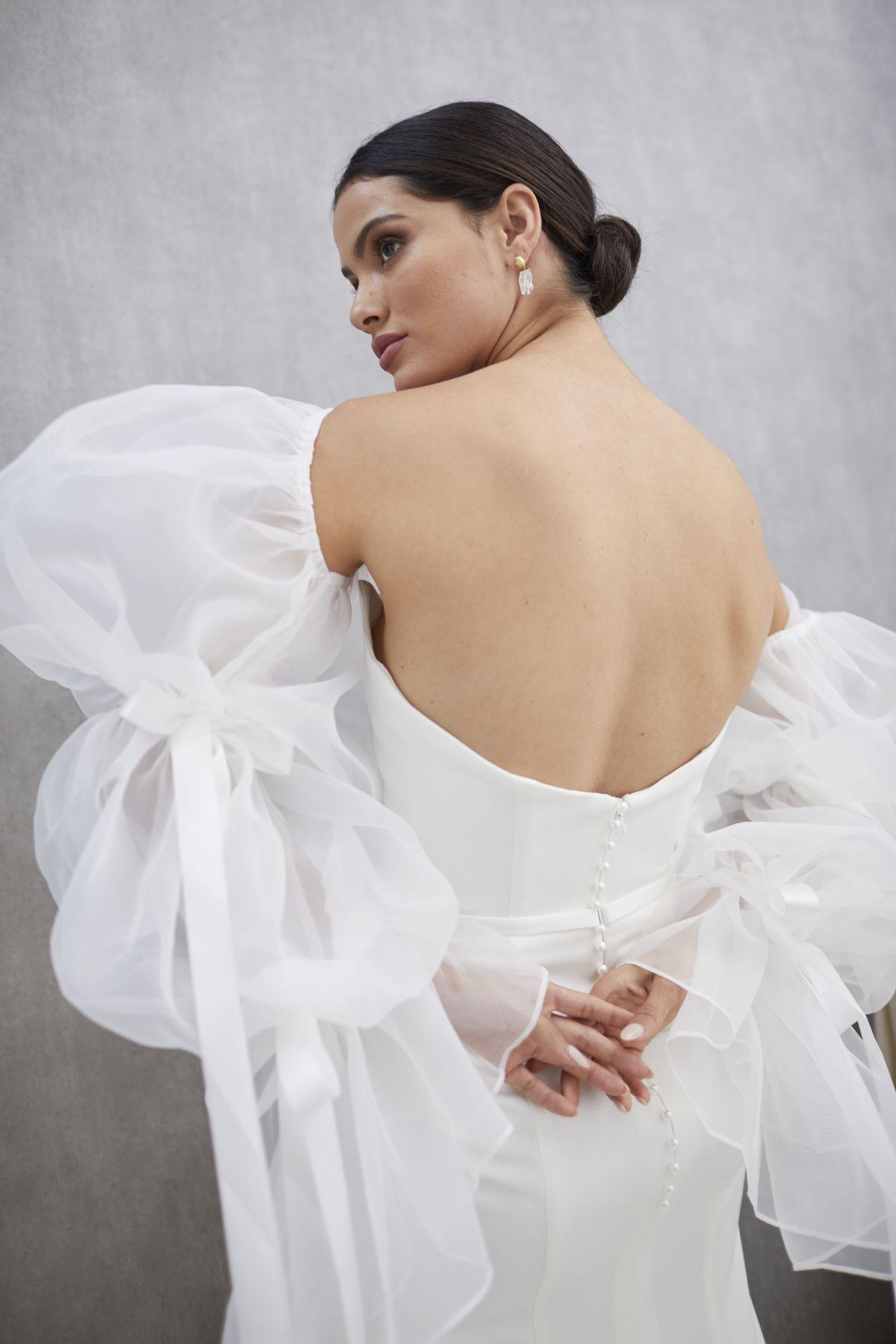 Onda Sleeves Organza Wedding Gown 18_1470