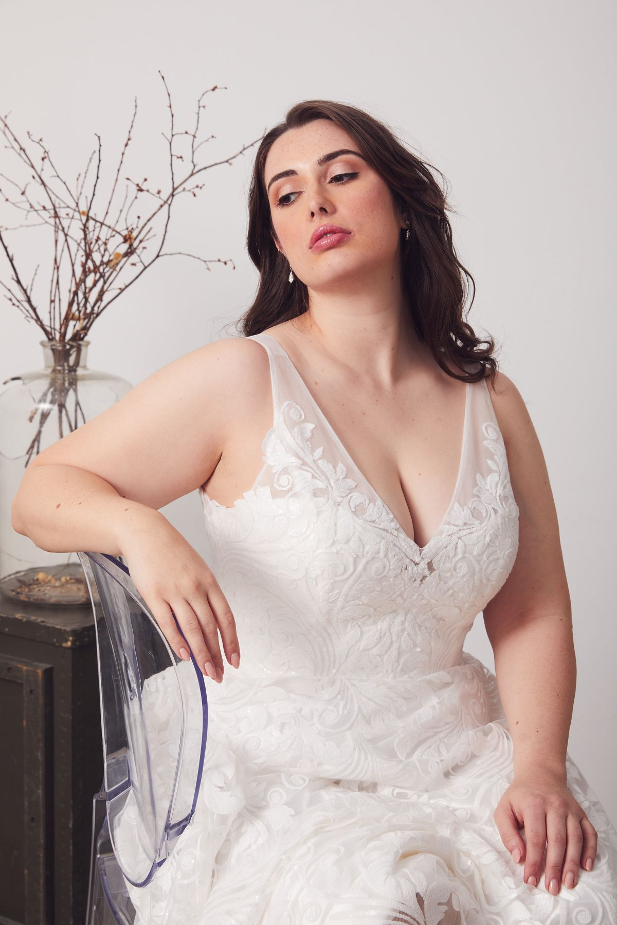 Bianca Curve Wedding Gown _20 4187
