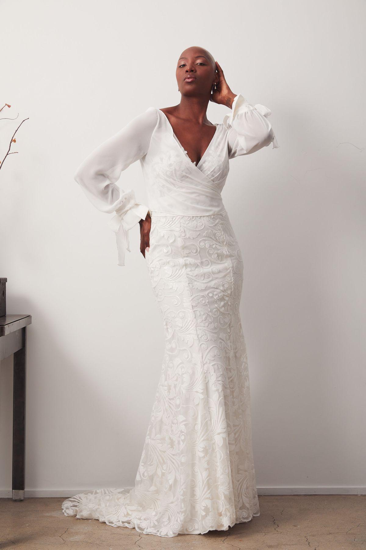 Bosset Curve W Amara Wrap Wedding Gown _05 1028