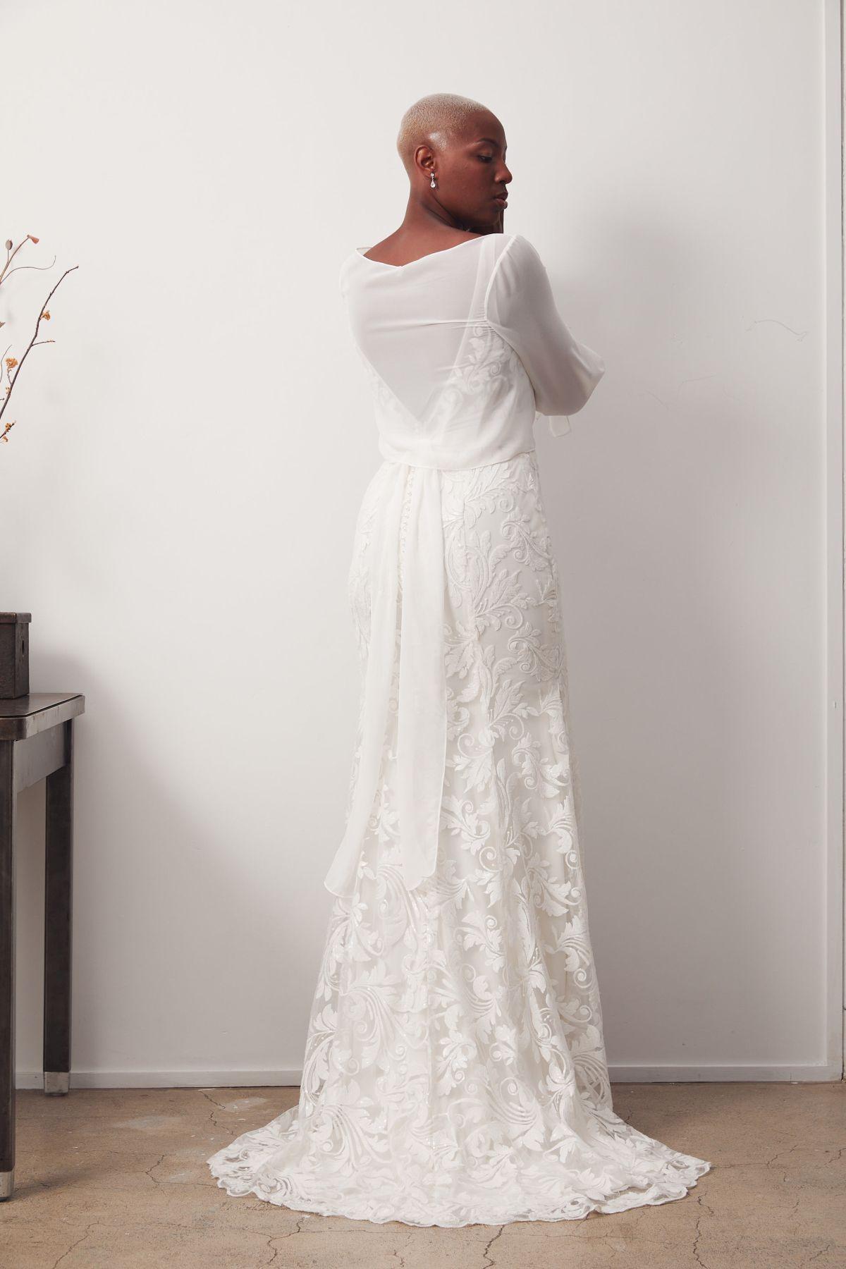 Bosset Curve W Amara Wrap Wedding Gown _05 1055