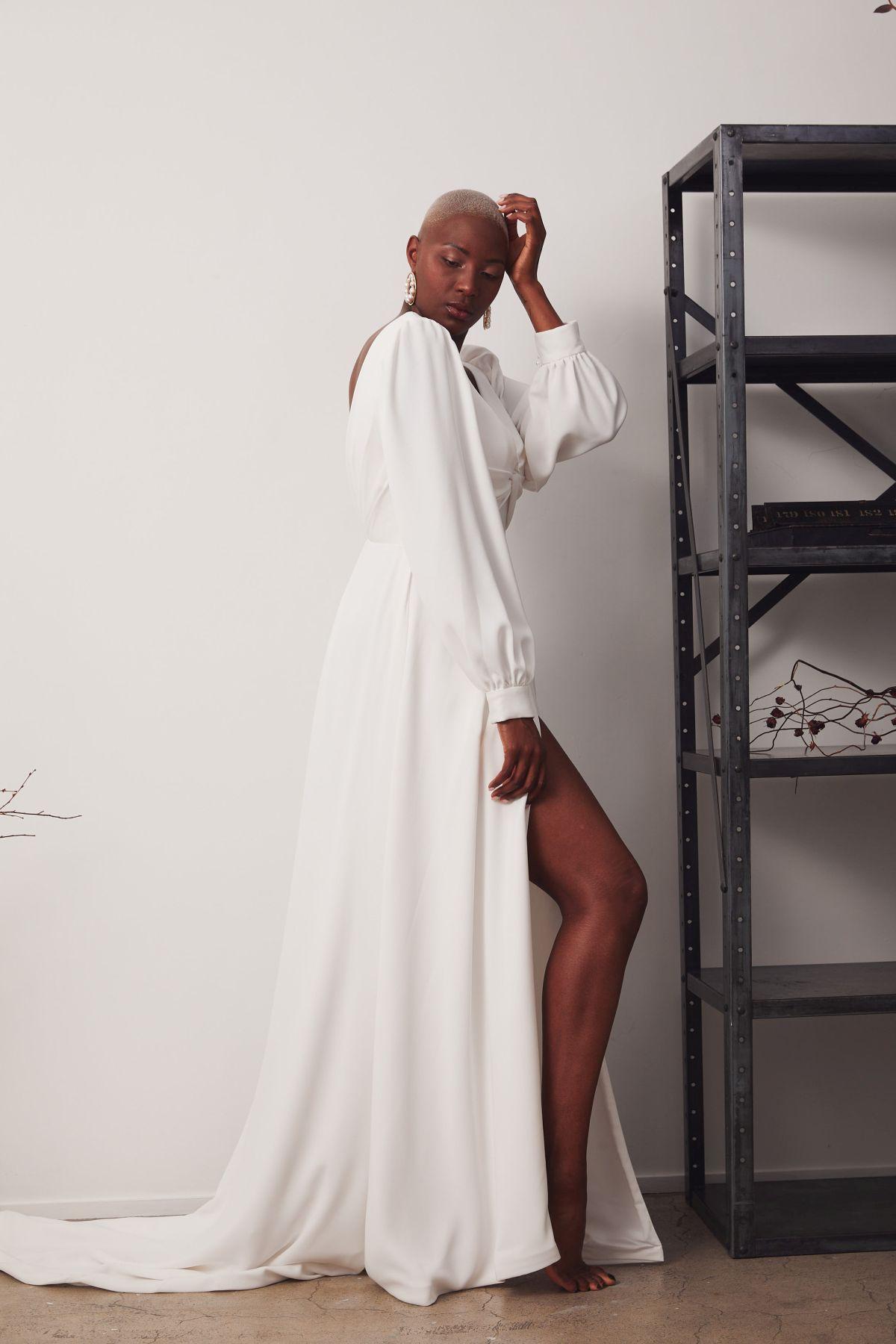 Elizabeth Curve Wedding Gown _15 2937